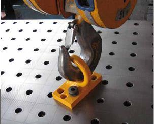 三威装备柔性焊接平台吊装
