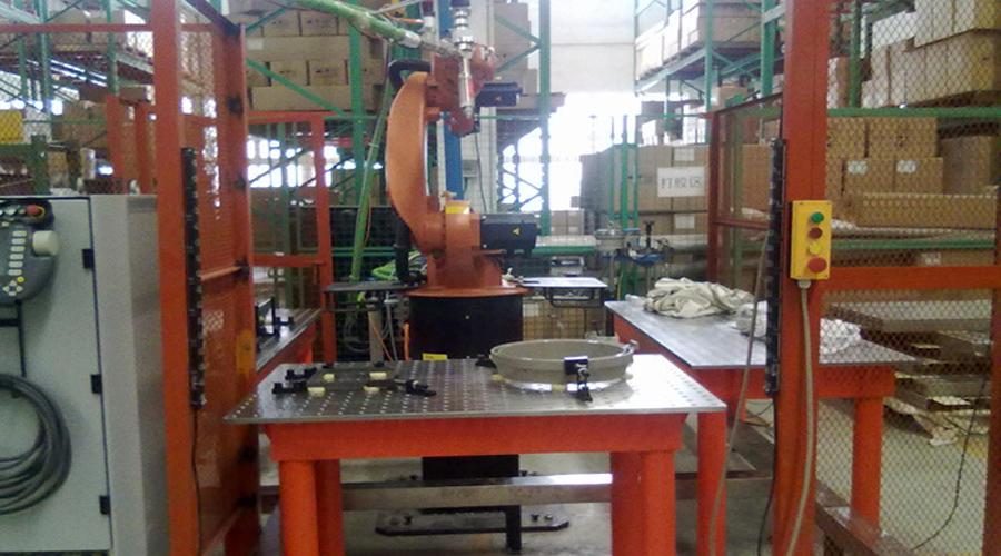 东莞三威三工位机器人柔性焊接平台